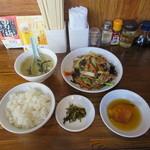 茅ヶ崎ひだまり食堂 - 豚肉ときくらげとたまごの炒め定食