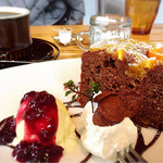 ハックベリー - オレンジとチョコのしっとりケーキ600円