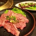 壷家 - 料理写真:バラ961円&新鮮あぶりレバー810円