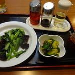 天天 - 青菜木耳炒め、ピリ辛胡瓜
