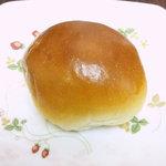 コミネベーカリー - つぶあんぱん(100円)