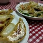 大羊飯店 - 餃子と肉野菜炒め