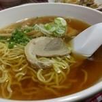 大羊飯店 - 普通の中華そばなんだけど、硬めの麺がいい。