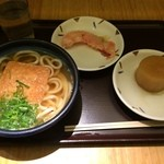 うどん しのぶ庵  - きつねうどん&紅生姜天&おでん大根計590円