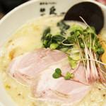 麺や 鳥の鶏次 - 鶏次ホワイト(背脂)