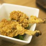 麺や 鳥の鶏次 - 骨付からあげ(2個)