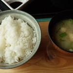 カフェレストラン 瀬里家 - ご飯、味噌汁