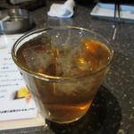 つくも - ビールはこの前に飲んでたんで此処ではウーロン杯で乾杯。