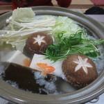 魚料理 克政 - 土鍋で作っています♪