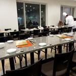 夜来香 - グループの宴会も対応できる店内「個室宴会も対応」(2016.Feb)