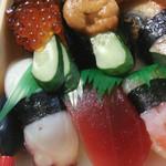 大漁寿し - 料理写真:デラ