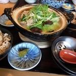 鳥のよこた - 水炊き鍋御膳1,280円(税抜き)から揚げとご飯は御代わり自由。