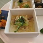 金田中 草 - 白菜、筍風呂吹き大根黒ゴマ味噌、鶏塩やき、団子、九条ネギ
