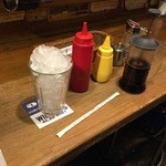 ユーケー ワイルドキャッツカフェ 高井田本店 - アイスコーヒー!山盛り氷!