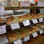 見山の郷 - 自家製の米粉パンは、どれもモチモチで美味しいです
