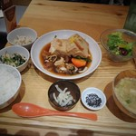47995020 - 島豆腐と野菜の柚子すき煮定食
