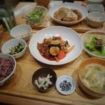 47995088 - 国産牛肉とズッキーニのトマト炒め定食