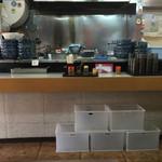 宇野製麺所 - 基本、オールセルフd(^_^o) 順番が来たら大将が声を掛けてくれますよ(o^^o)