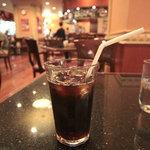 カフェ ジャンシアーヌ - アイスコーヒー。ちゃんと入れてあって美味。