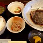 活魚料理 いし田 - 煮魚定食  950円