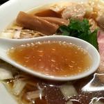 カネキッチン - 名古屋コーチンの丸鶏を主体としたスープ