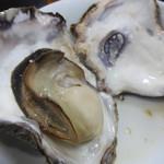 カキ小屋フィーバー - 牡蠣 せいろ蒸し。