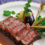 ハーバー ビレッジ - 黒毛和牛ロース肉の低温調理野菜添え 山葵ソース