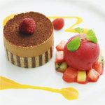 ハーバー ビレッジ - ショコラオランジェのババロアとカシスのシャーベット