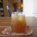 腰越食堂 - 黒糖と生姜でつくったジンジャーエールアップ