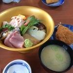 はな房 - 海鮮丼1,850円也