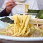 ラーメンショップ 牛久結束店 - これがラーショの太麺だぁ!