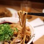 新福菜館 - 麺リフト