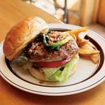 ベローズ フィールド ビーチ - 料理写真:Lamb Burger