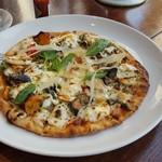 ア・ヴォートル・サンテ・エンドー - 本日のピザ