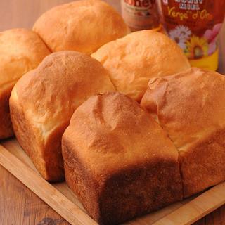 焼きたて自家製イギリスパン!