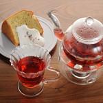 HERB+CAFE ALOHA KITCHEN - ドリンク写真:ラベンダーシフォンケーキ ダメージ回復もち肌ブレンド