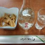 レストラン富士 - メンマ煮、冷酒