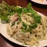 ルンビニ - 蓮根と豚肉のサラダ