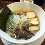 48057178 - 「濃厚鶏白湯ラーメン」750円(中太ちぢれ麺 濃厚スープ)