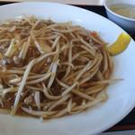 大華飯店 - 料理写真:もやし焼きそば