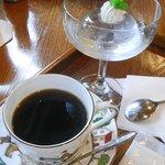 癒しの窓 - 水ゼリー、コーヒーカップWEDGWOOD