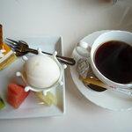 結 - デザートとコーヒー