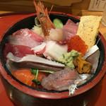 鮨政 - 「ちらし丼 具の大盛」980円