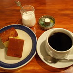 バイエル - 焼きカステラ・ホットコーヒー