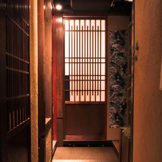 個室接待・打ちたて蕎麦 永山 - 3階通路になります。ここまで上がると料亭の個室の雰囲気です。
