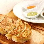 GYOZA BAR Comme a Paris -