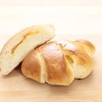 信州さくらたまごのクリームパン