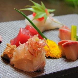 とれたての魚がおいしい!くつろぎの居酒屋デートがおすすめです