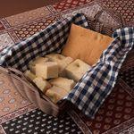 イタリアンレストラン&バー BARDI - 毎朝焼きたてのフォカッチャ