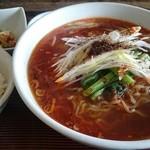 中華 萬福食堂 - 牛肉マーラー麺